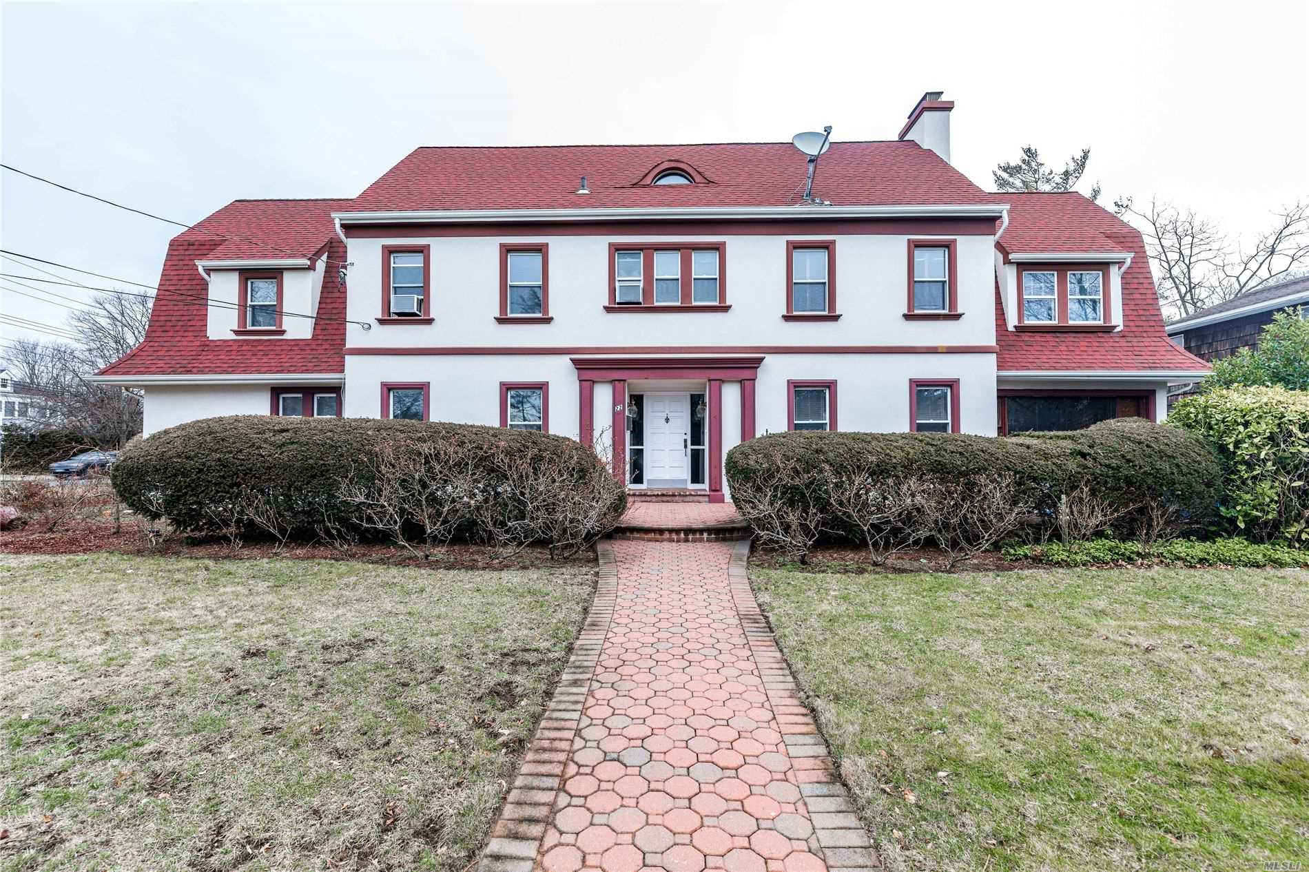 Residenziale in 22 Elm St, Woodmere, NY ,11598
