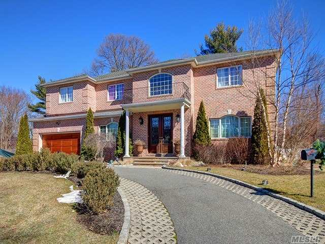 Residenziale in 117 Parkway Drive, Roslyn Heights, NY ,11577