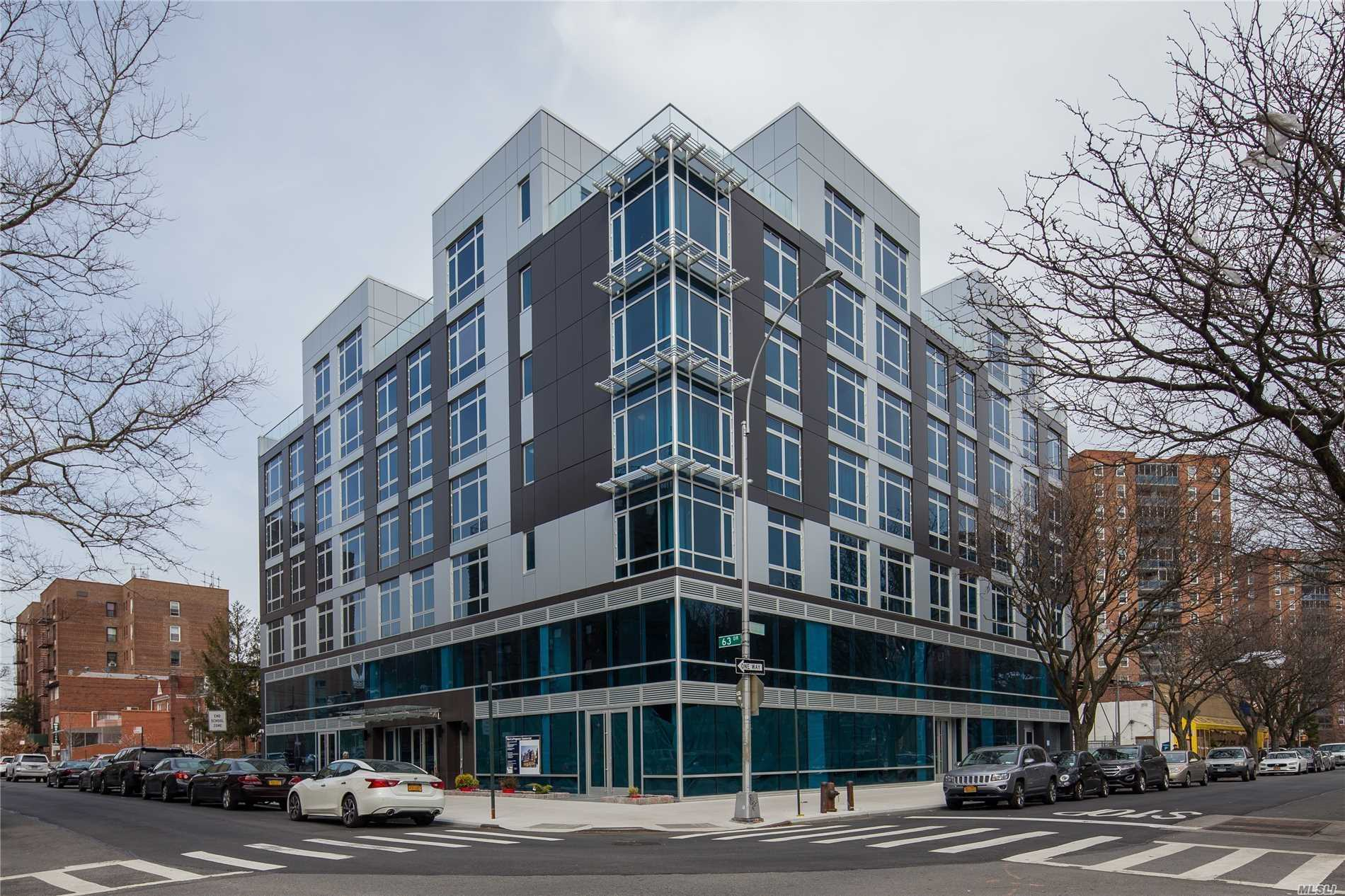 Acquisto commerciale in 97-45 63 Dr, Rego Park, NY ,11374