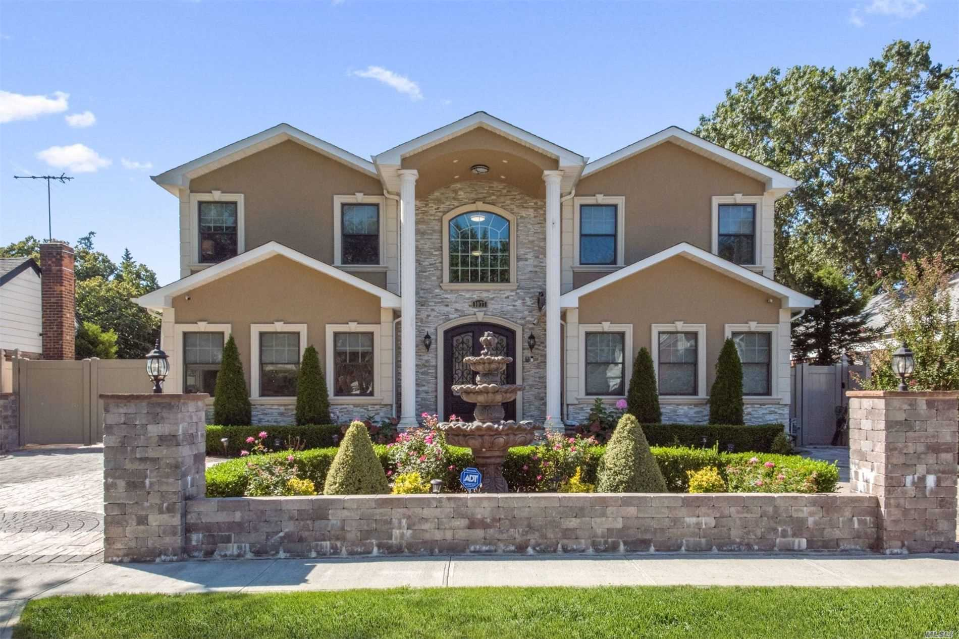 Residenziale in 1077 Linden St., Valley Stream, NY ,11580