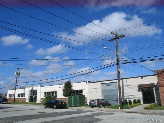 Acquisto commerciale in 14-18 Neil Ct, Oceanside, NY ,11572