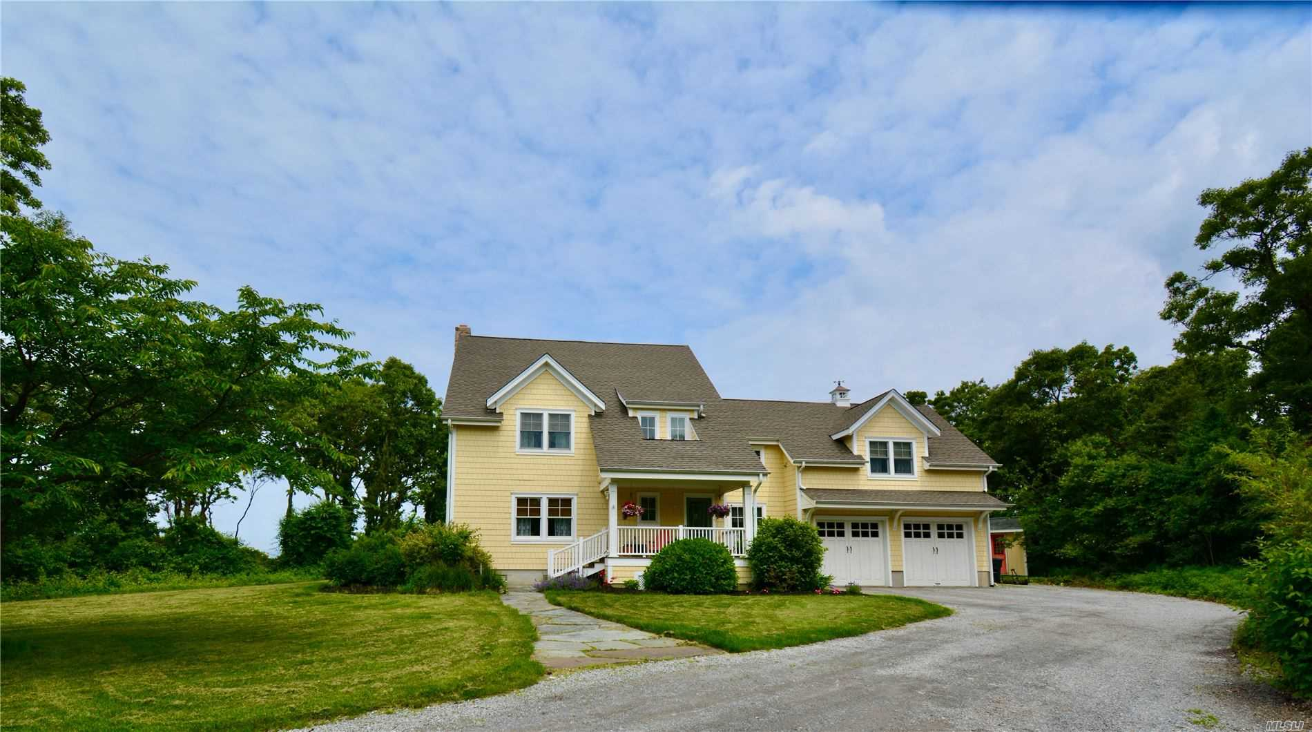 Residenziale in 584 Long Beach Road E, Nissequogue, NY ,11780