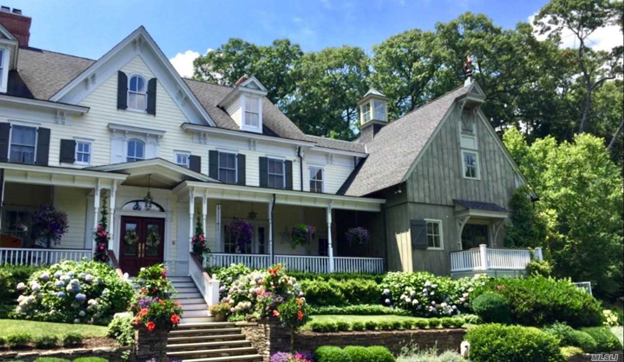 Residenziale in 100 Turkey Ln, Cold Spring Hrbr, NY ,11724