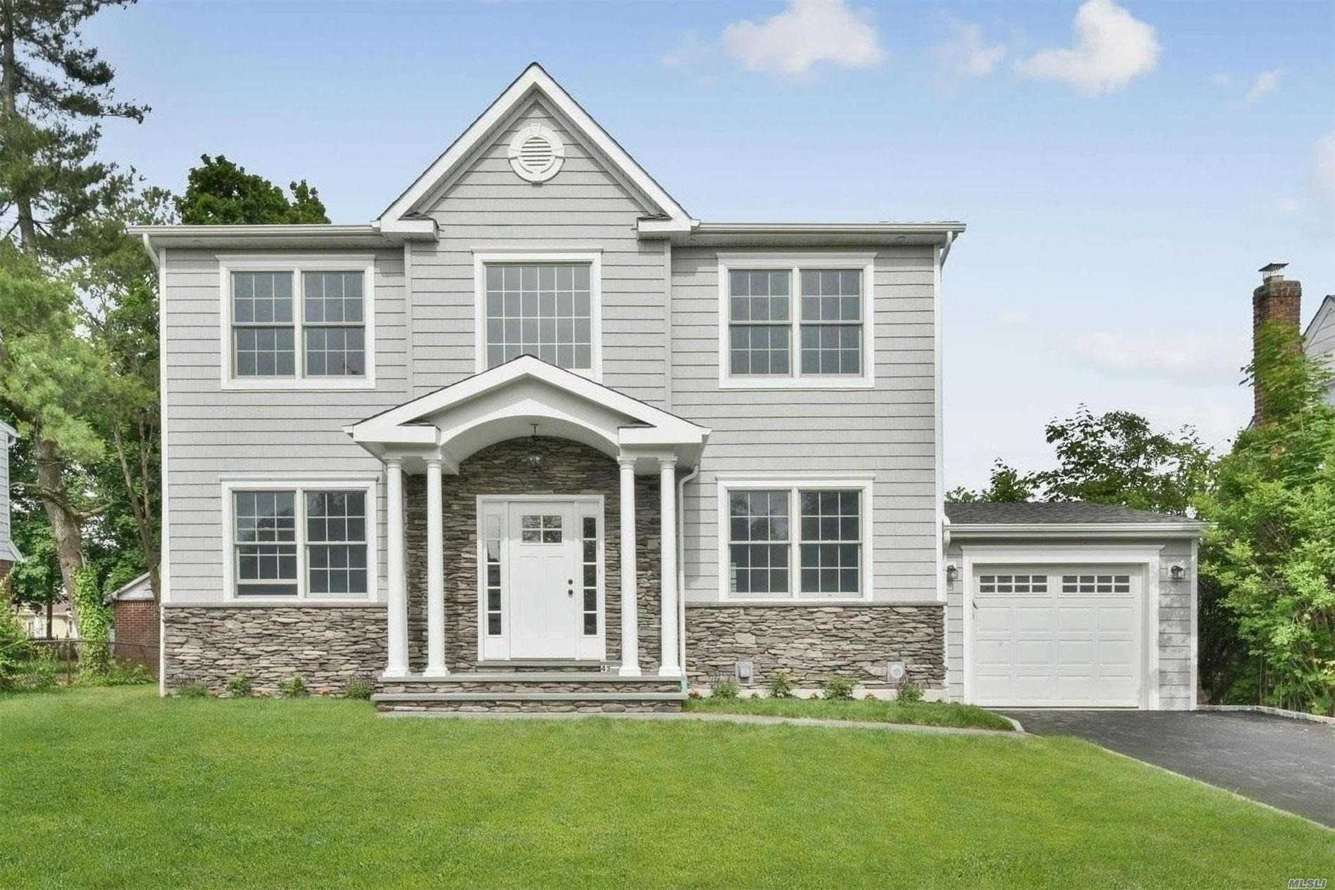 Residenziale in 43 Brussel Dr, New Hyde Park, NY ,11040