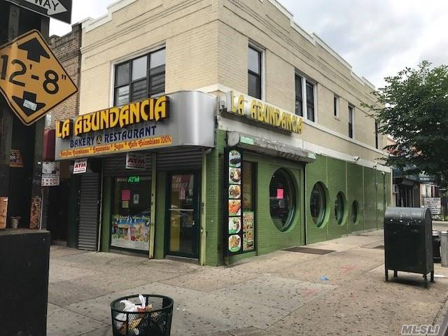 Acquisto commerciale in 94-19 Roosevelt Ave, Corona, NY ,11368