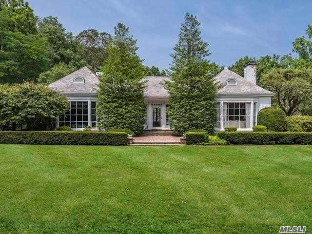 Residenziale in 1 Thorne Ln, Locust Valley, NY ,11560
