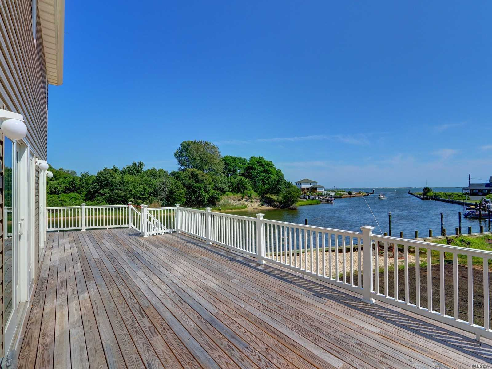 Residenziale in 10 Seabreeze Pl, Center Moriches, NY ,11934