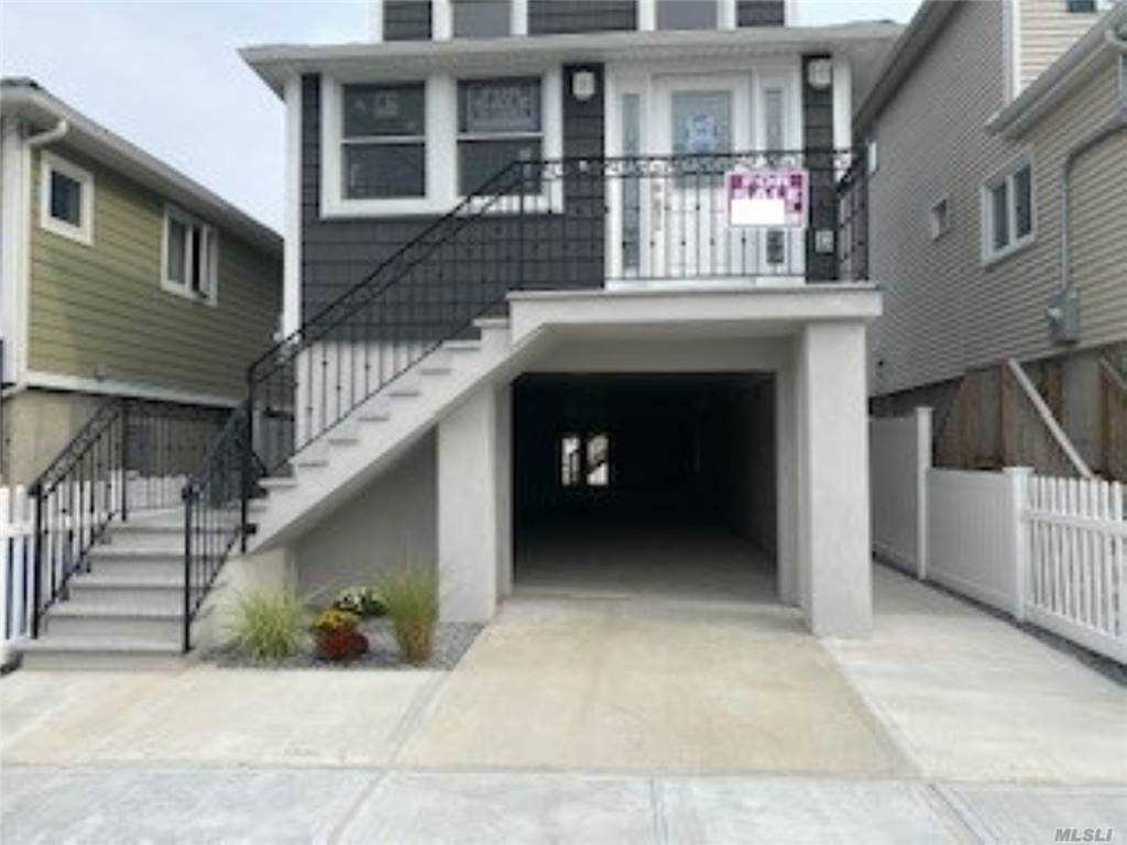 Residenziale in 107 7th Road E, Broad Channel, NY ,11693
