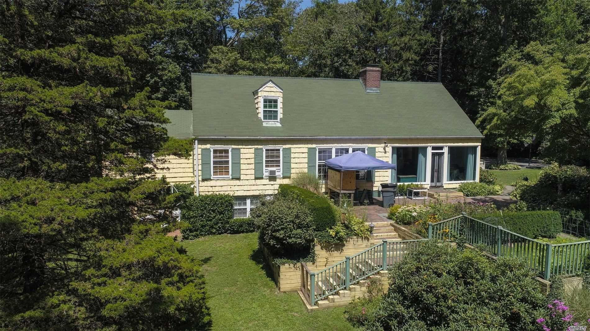 Residenziale in 473 Berry Hill Rd, Oyster Bay Cove, NY ,11791
