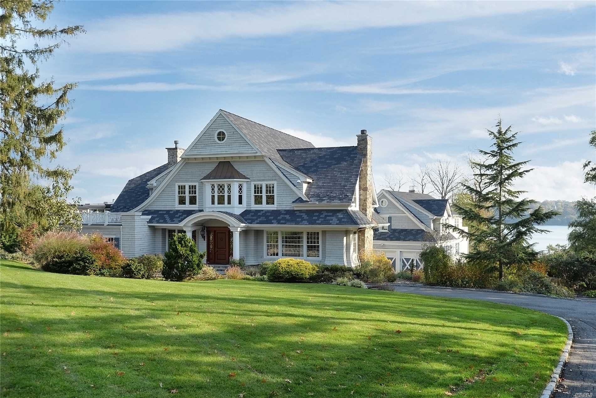 Residenziale in 101 Todd Dr, Sands Point, NY ,11050