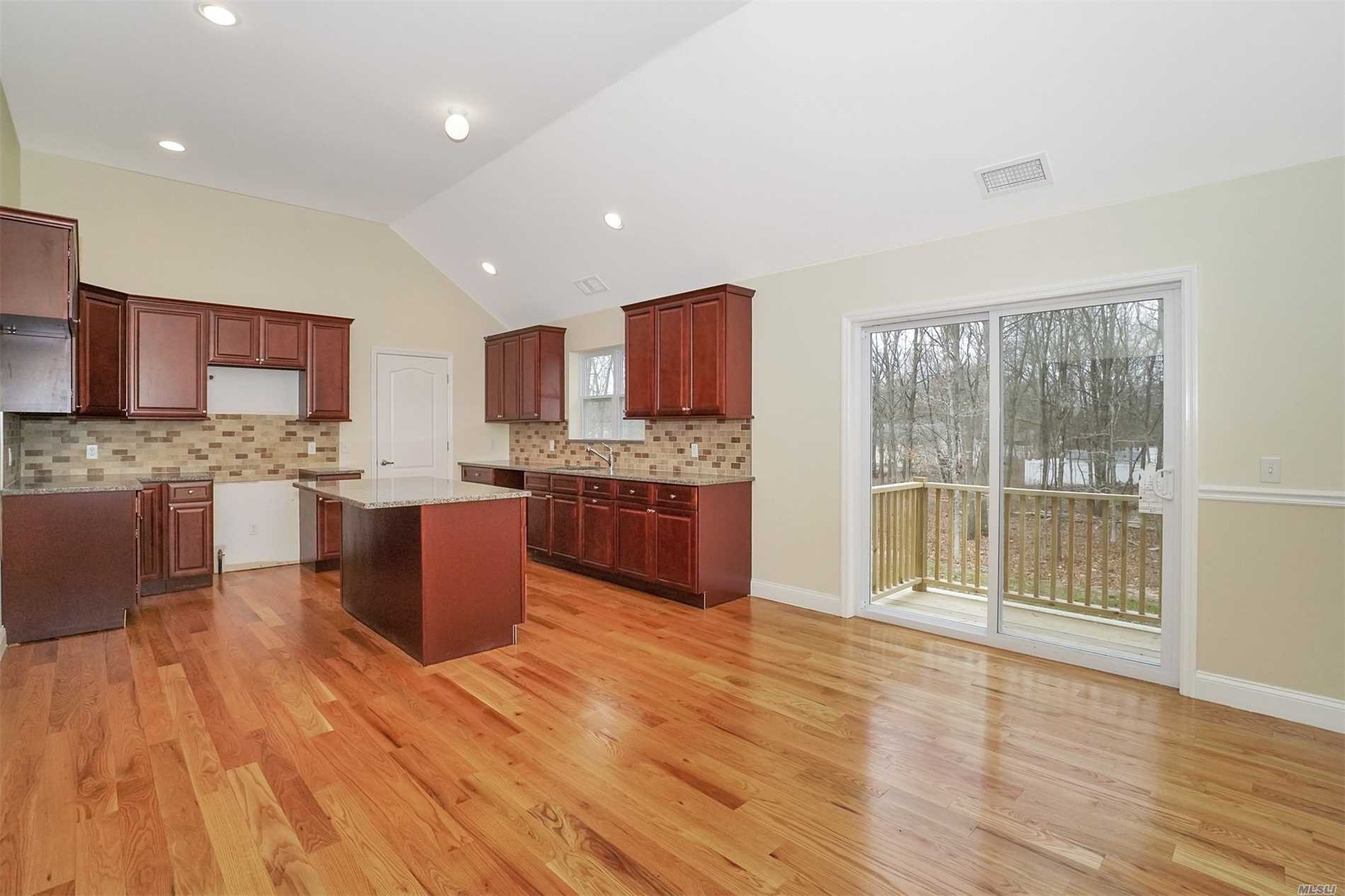 Residenziale in Lot 3 Blue Point Road, Farmingville, NY ,11738