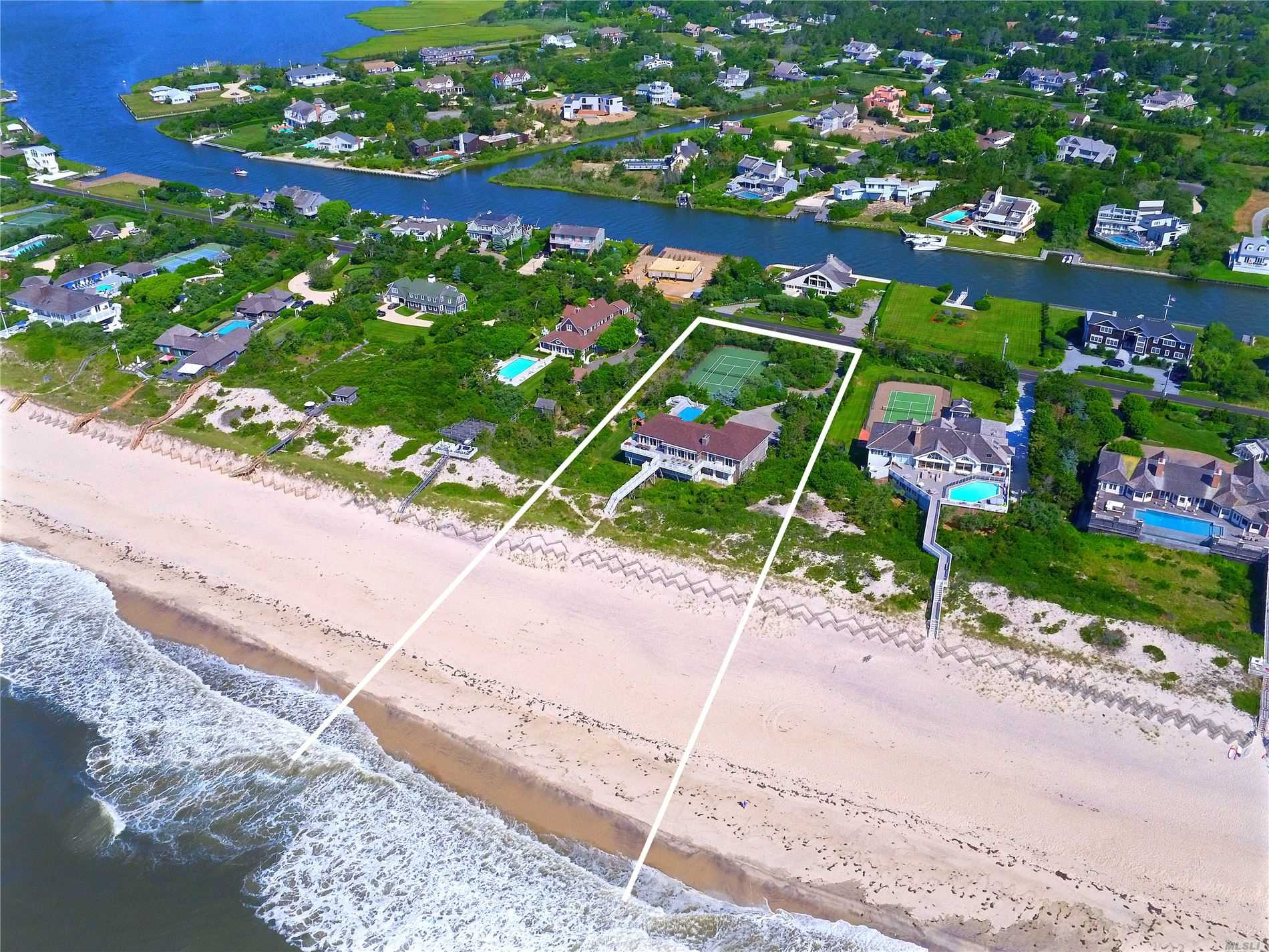 Residenziale in 46 Dune Road, Quogue, NY ,11959