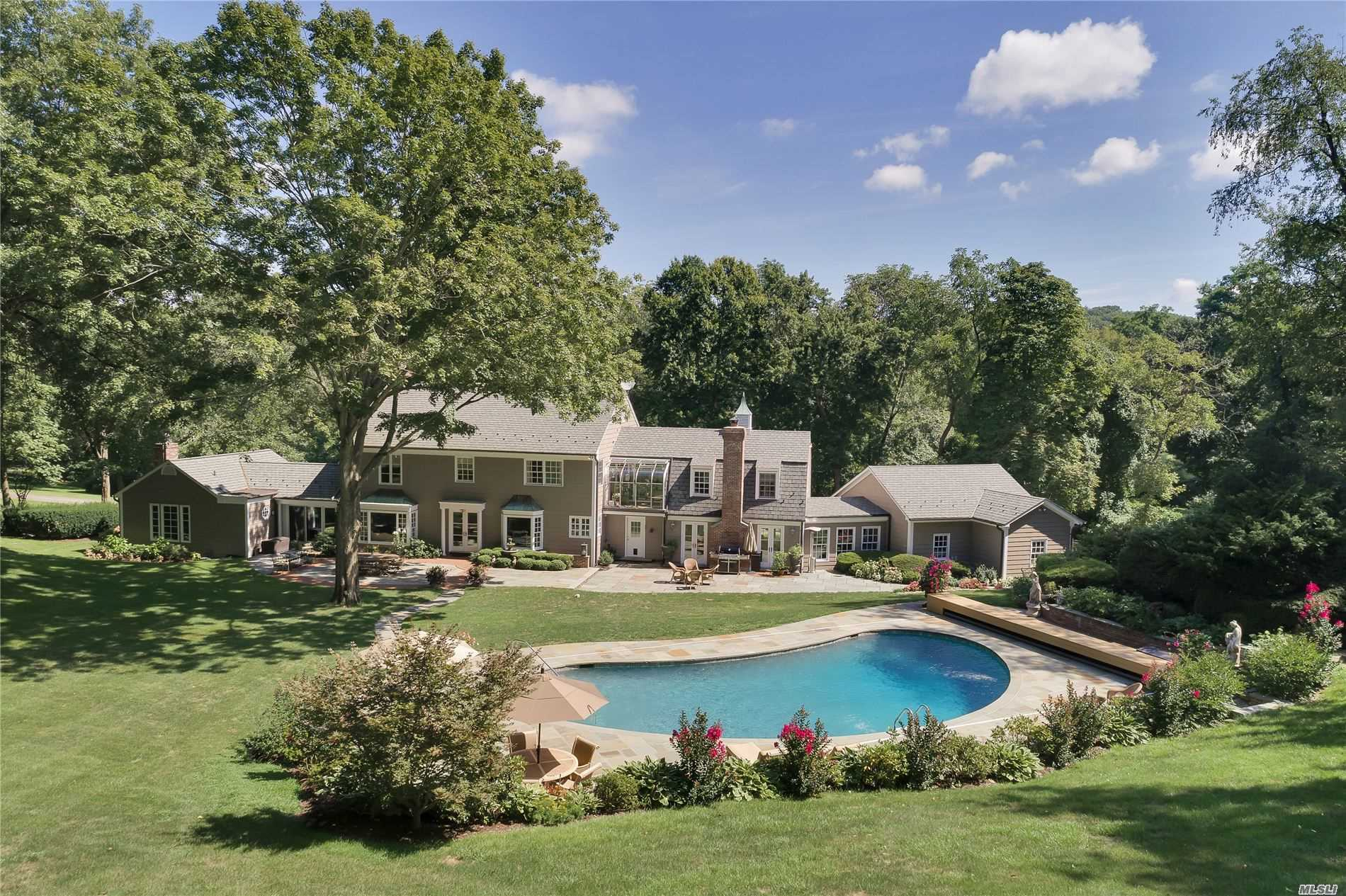 Residenziale in 177 Cove Rd, Oyster Bay Cove, NY ,11771
