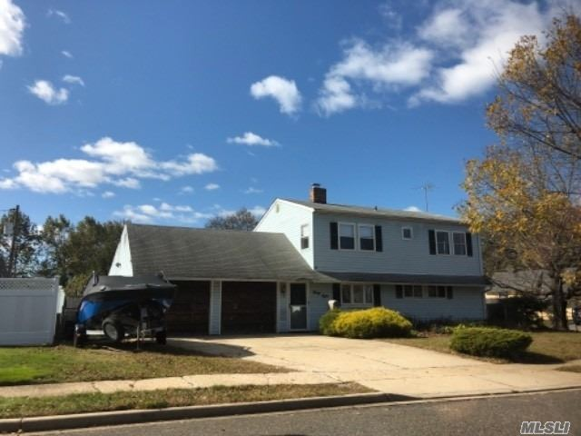 Residenziale in 38 Horn Ln, Levittown, NY ,11756