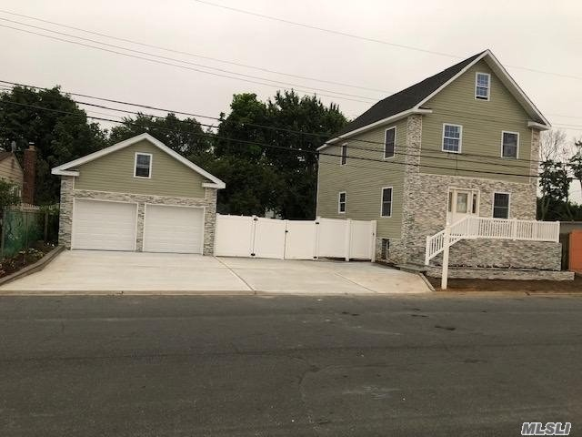 Residenziale in 30 Daly Pl, Copiague, NY ,11726