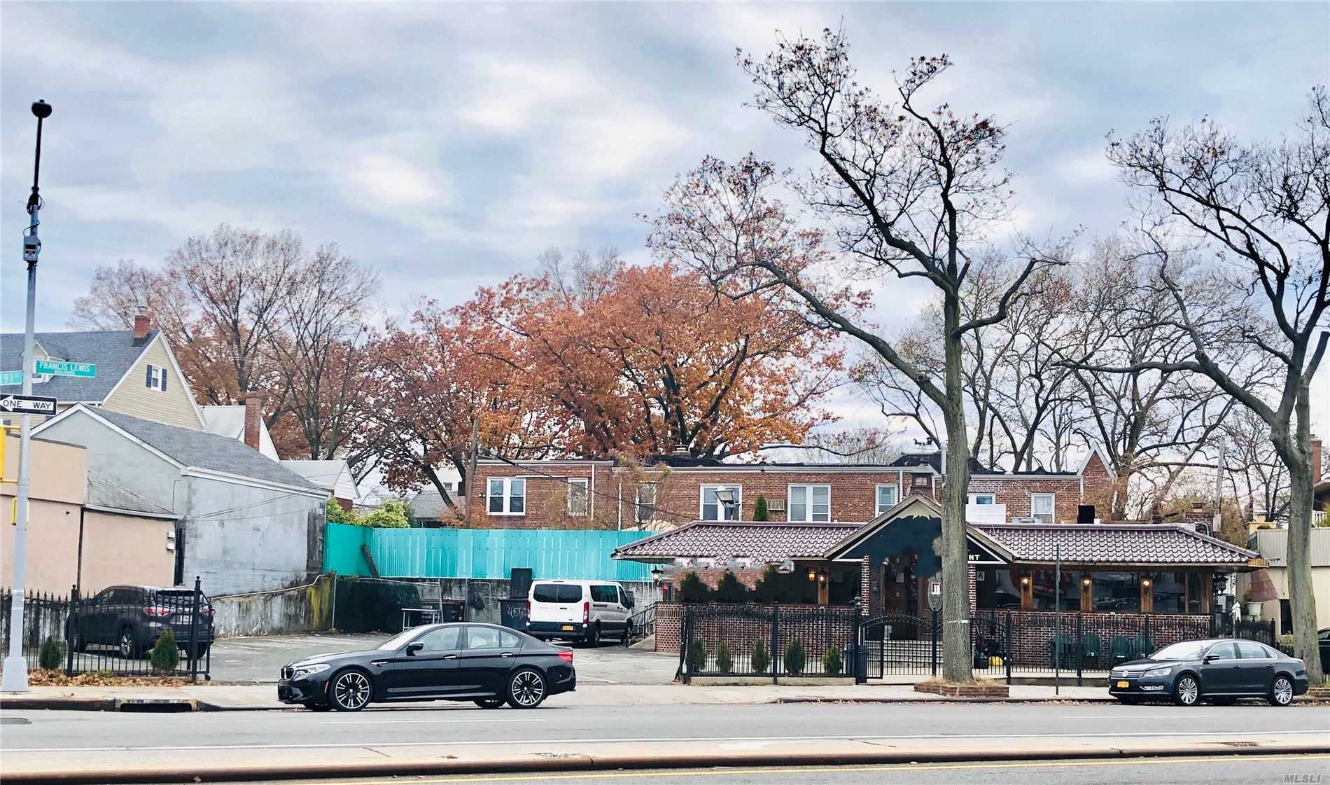 Acquisto commerciale in 32-50 Francis Lewis Blvd, Flushing, NY ,11358