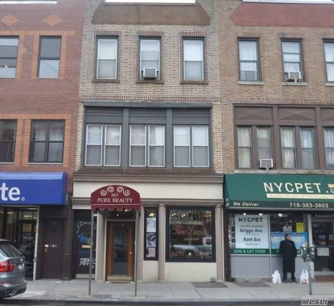 Acquisto commerciale in 663 Manhattan Ave, Greenpoint, NY ,11222