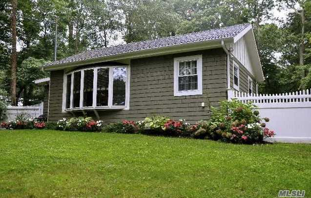 Residenziale in 19 Kettle Knoll Path, Miller Place, NY ,11764