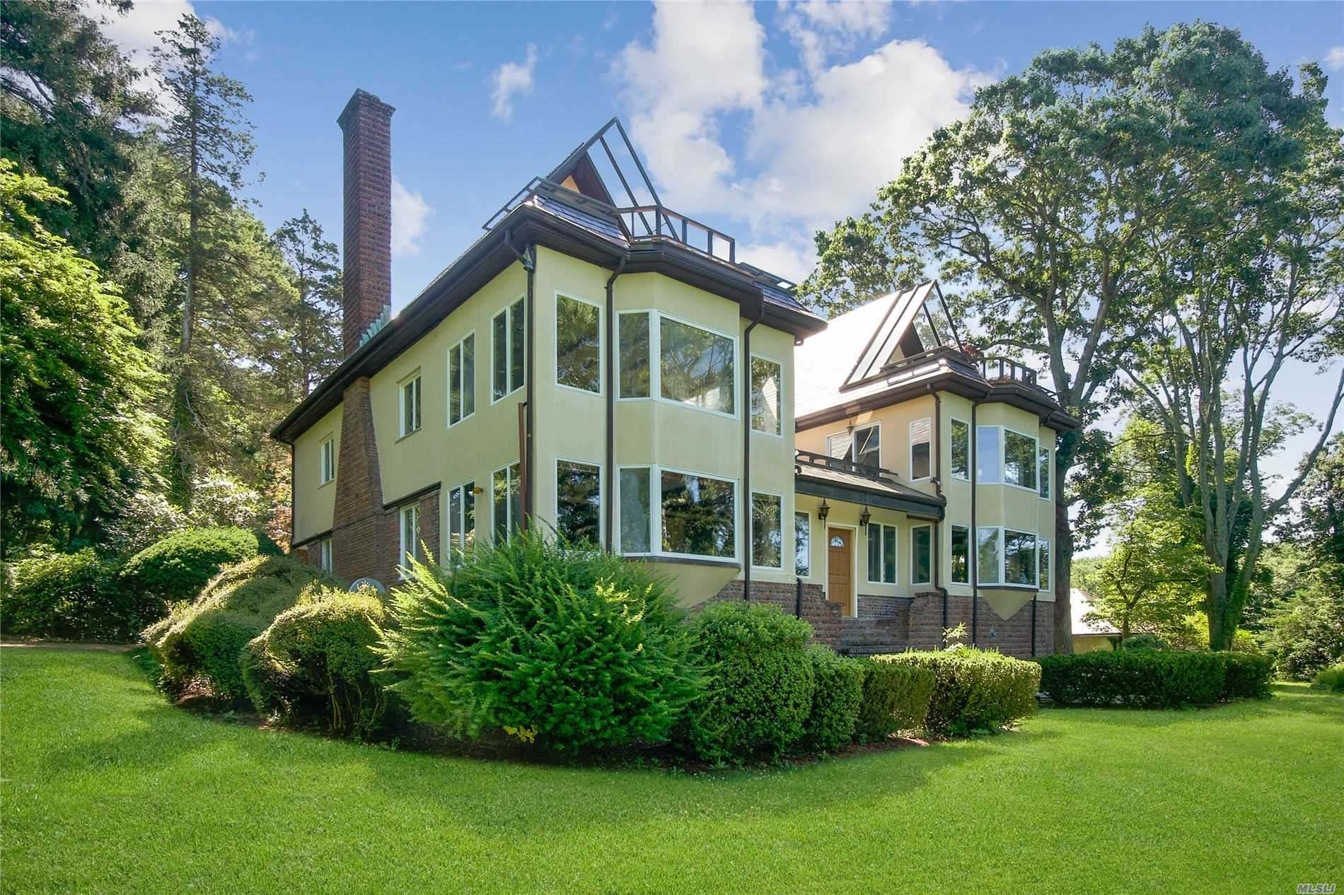Residenziale in 32 Lower Devon Rd, Port Jefferson, NY ,11777