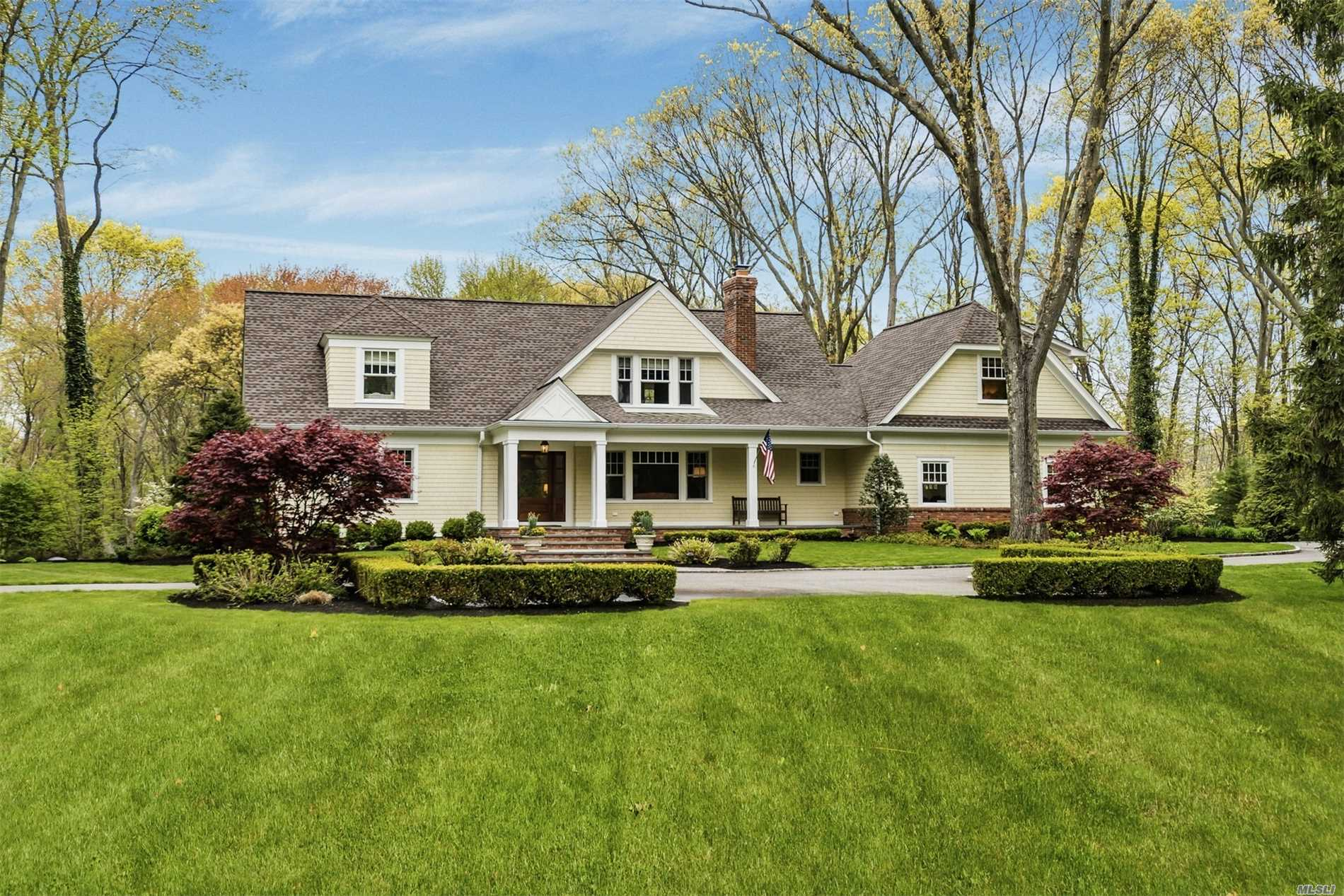 Residenziale in 7 Crosby Pl, Cold Spring Hrbr, NY ,11724