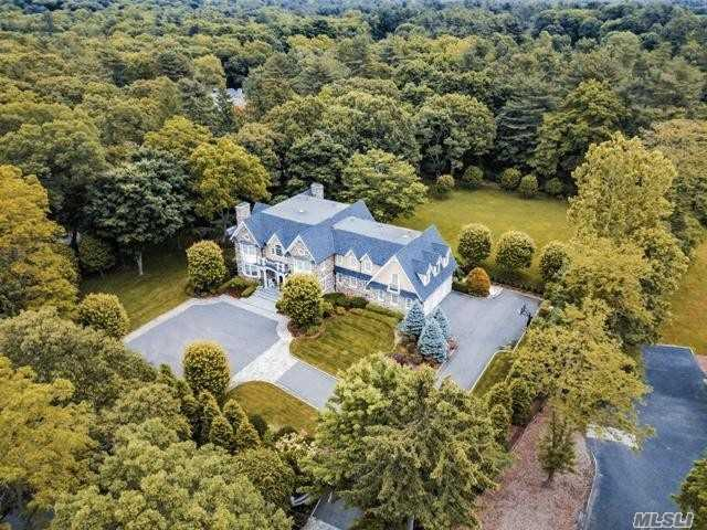 Residenziale in 160 Brookville Rd, Muttontown, NY ,11545