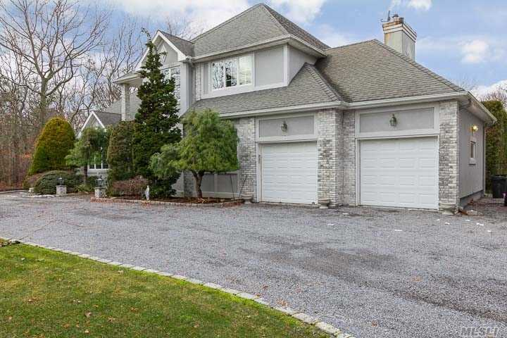 Residenziale in 2 Carmen View Dr, Shirley, NY ,11967