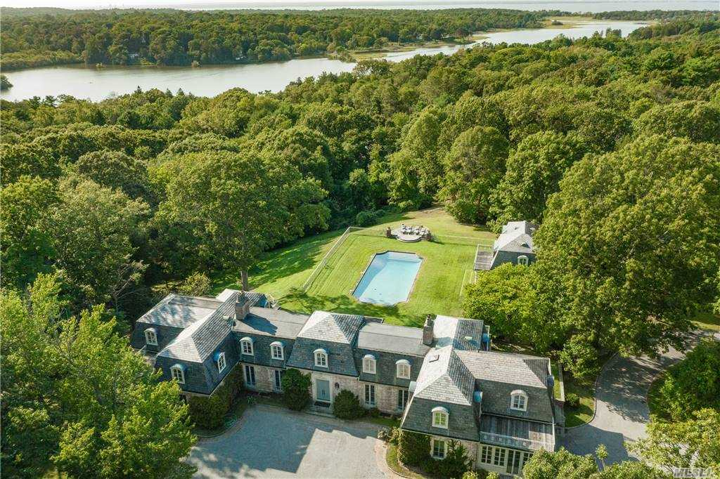 Residenziale in 214 Cleft Rd, Mill Neck, NY ,11765