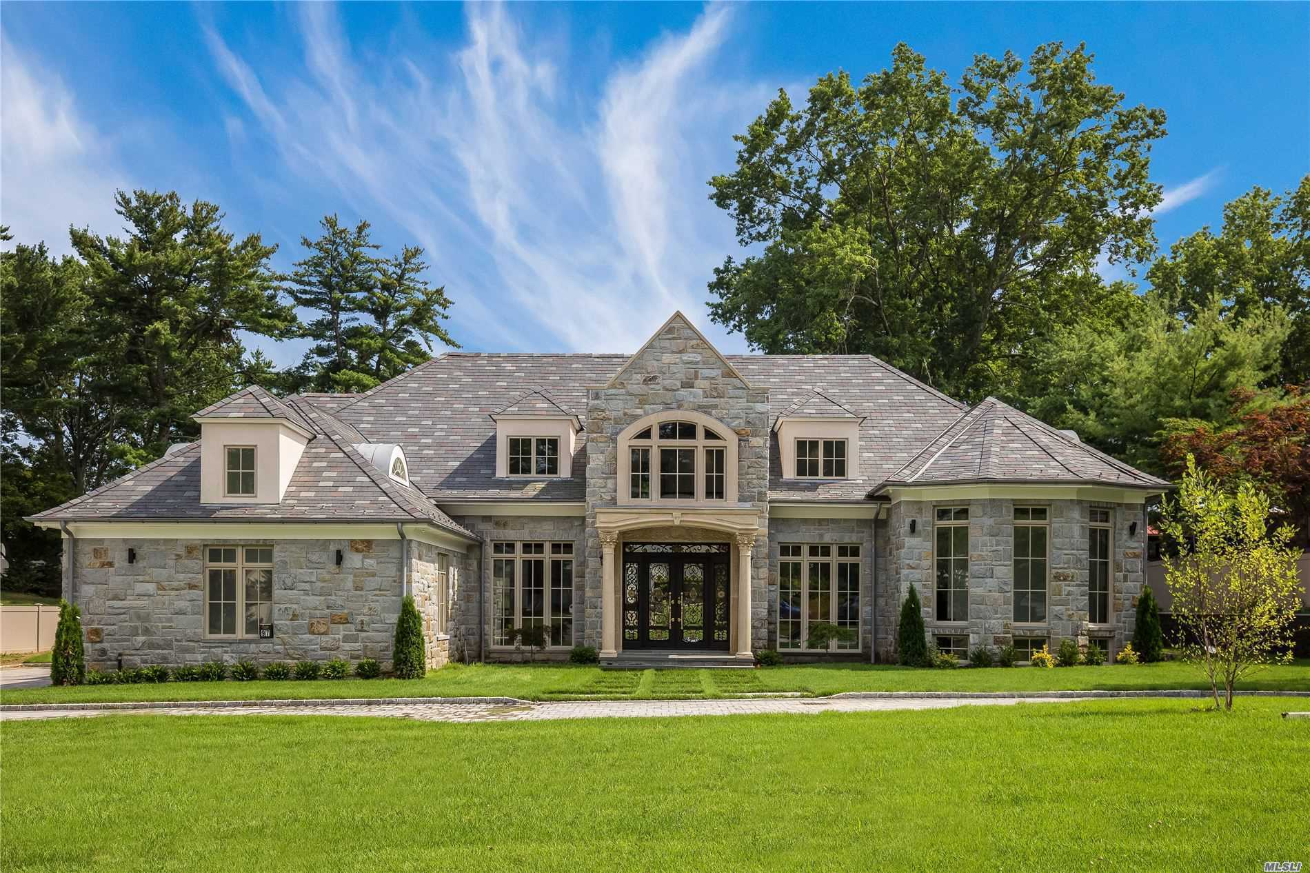 Residenziale in 97 Crescent Dr, Searingtown, NY ,11507