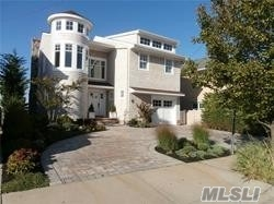 Residenziale in 131 Bayside Drive, Point Lookout, NY ,11569