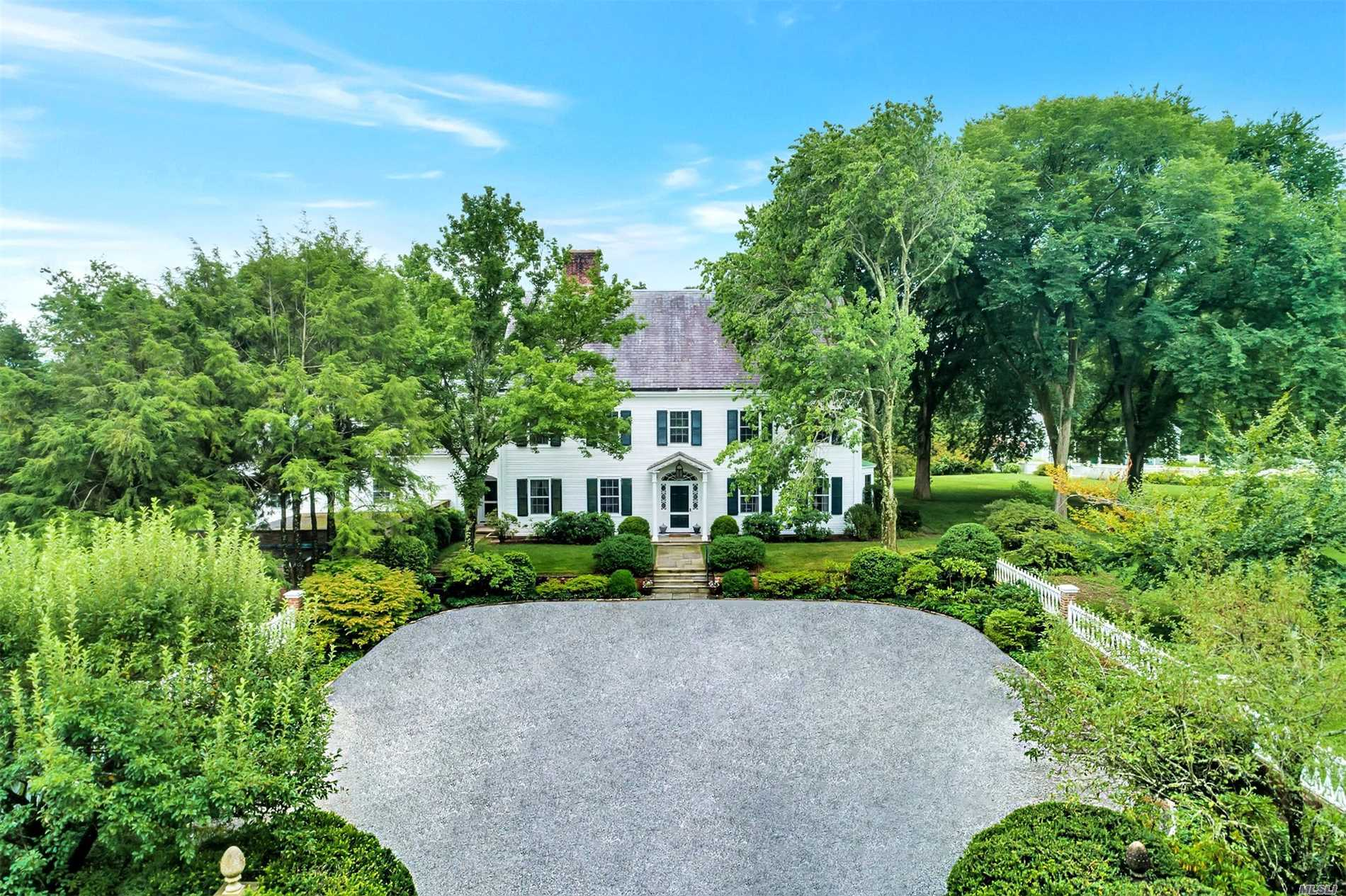 Residenziale in 45 Shutter Ln, Oyster Bay Cove, NY ,11771