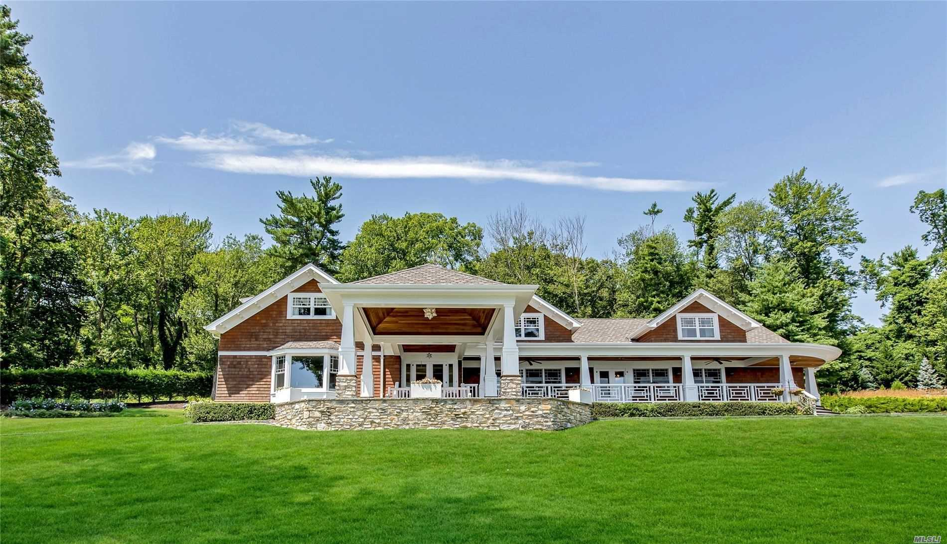 Residenziale in 946 West Shore Rd, Mill Neck, NY ,11765