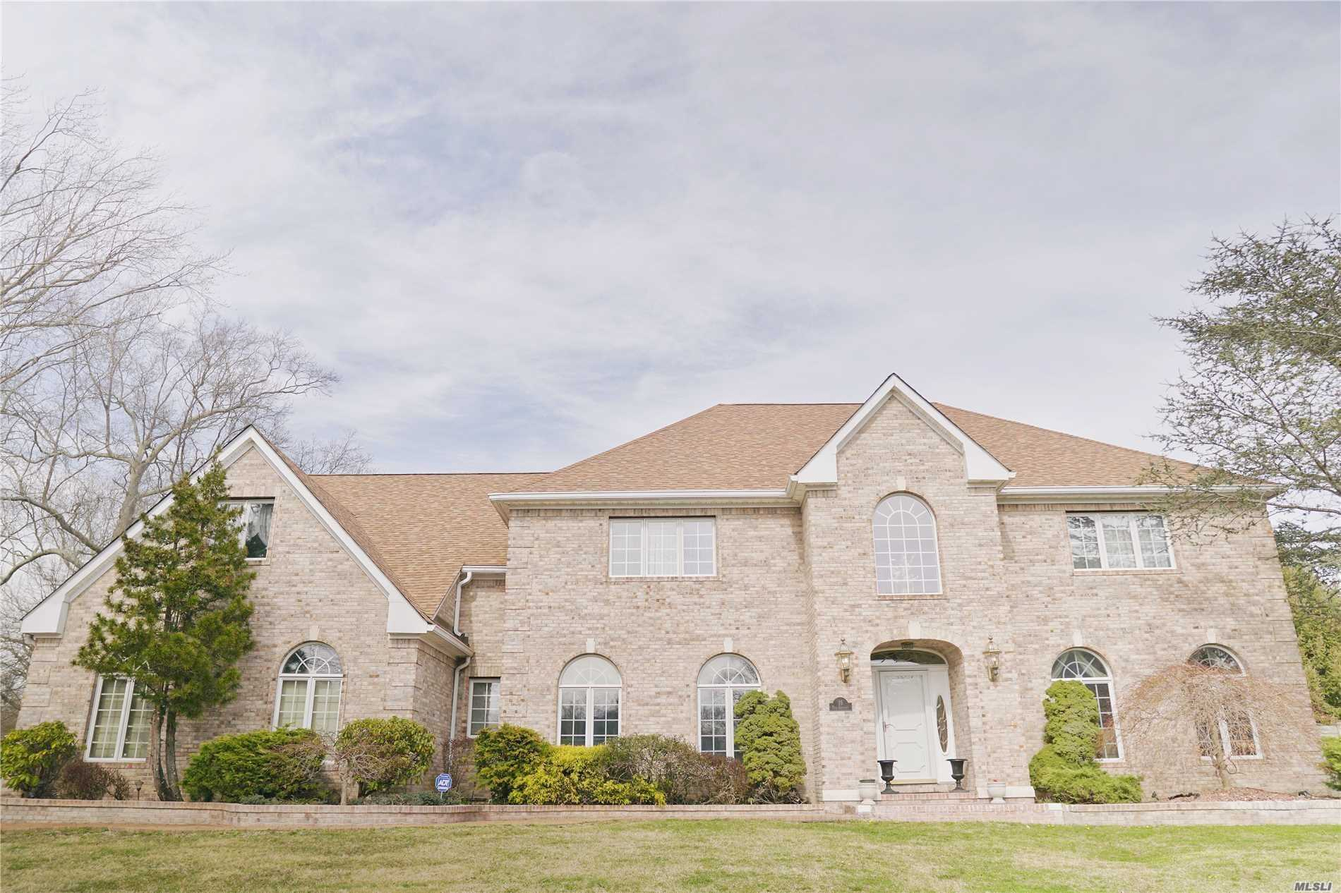 Residenziale in 15 Teal Crescent, Great River, NY ,11739