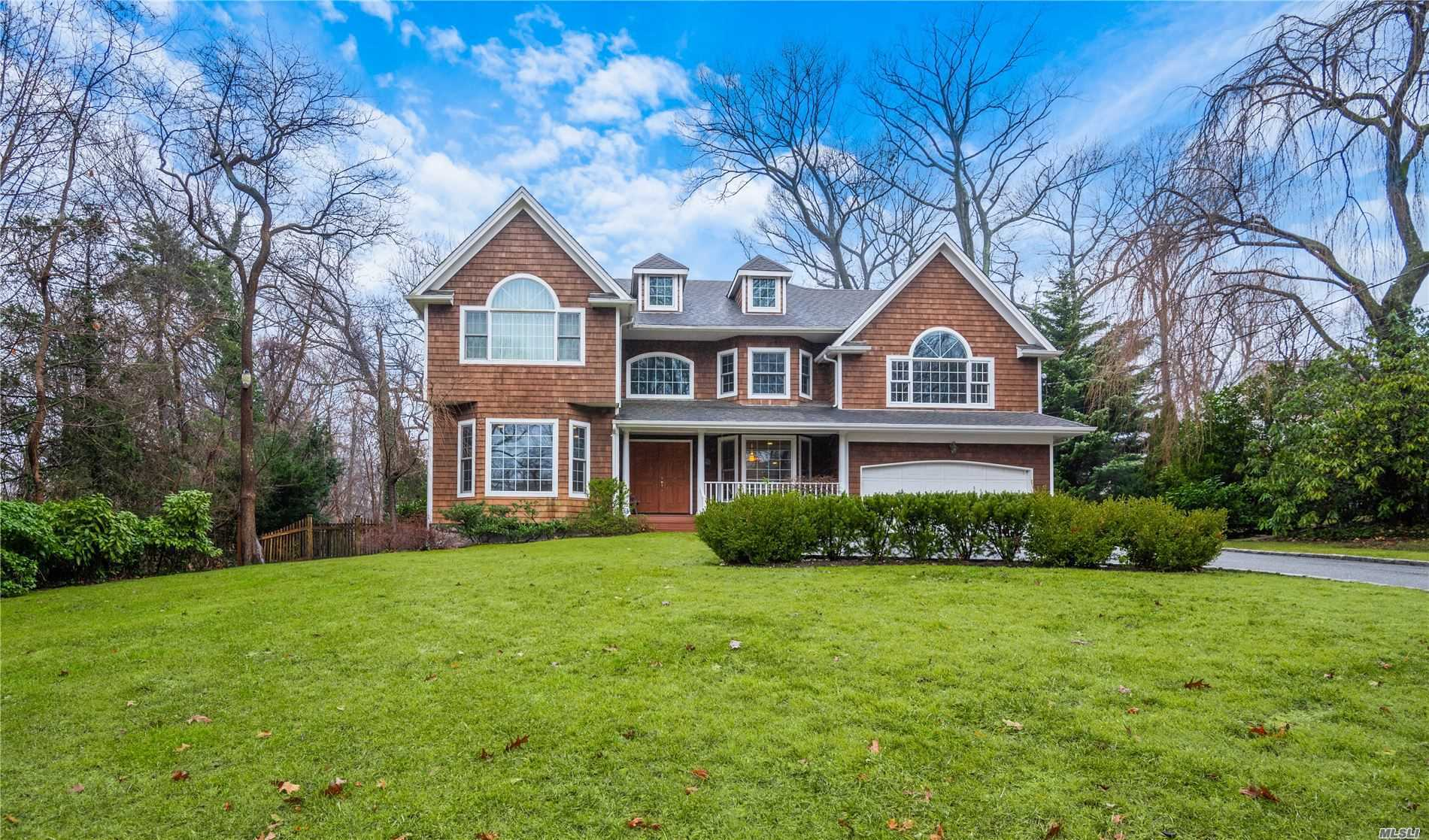 Residenziale in 41 The Intervale, Roslyn Estates, NY ,11576