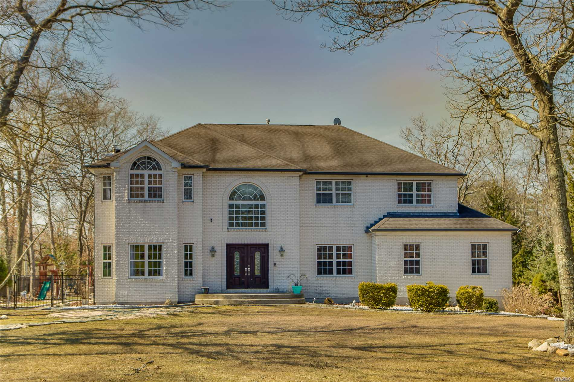Residenziale in 2 Orient Ave, Brookhaven, NY ,11719