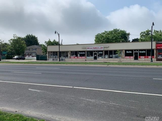Acquisto commerciale in 201-203 Sunrise Hwy, Lynbrook, NY ,11563
