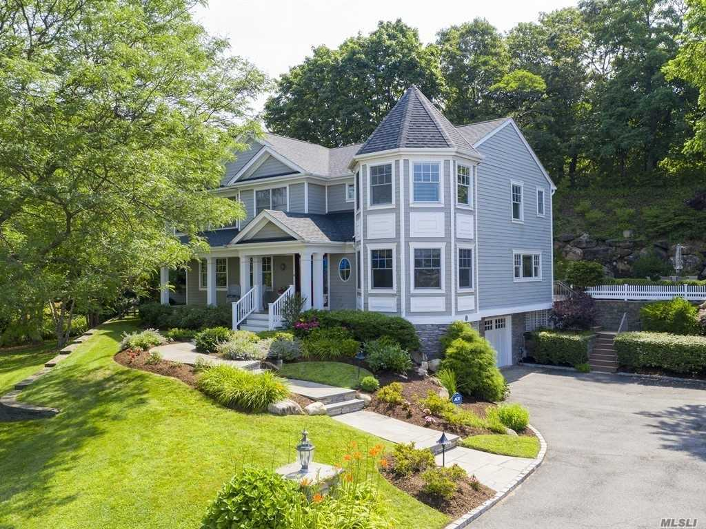 Residenziale in 35 Mohring Bay Ct, Bayville, NY ,11709