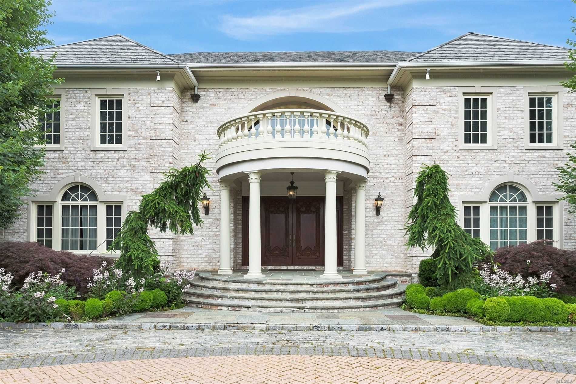 Residenziale in 16 Hickory Dr, Old Brookville, NY ,11545