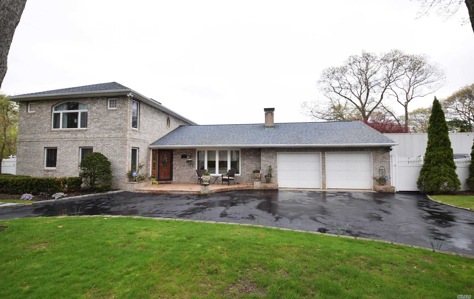 Residenziale in 19 Pinetree Ln, Great River, NY ,11739
