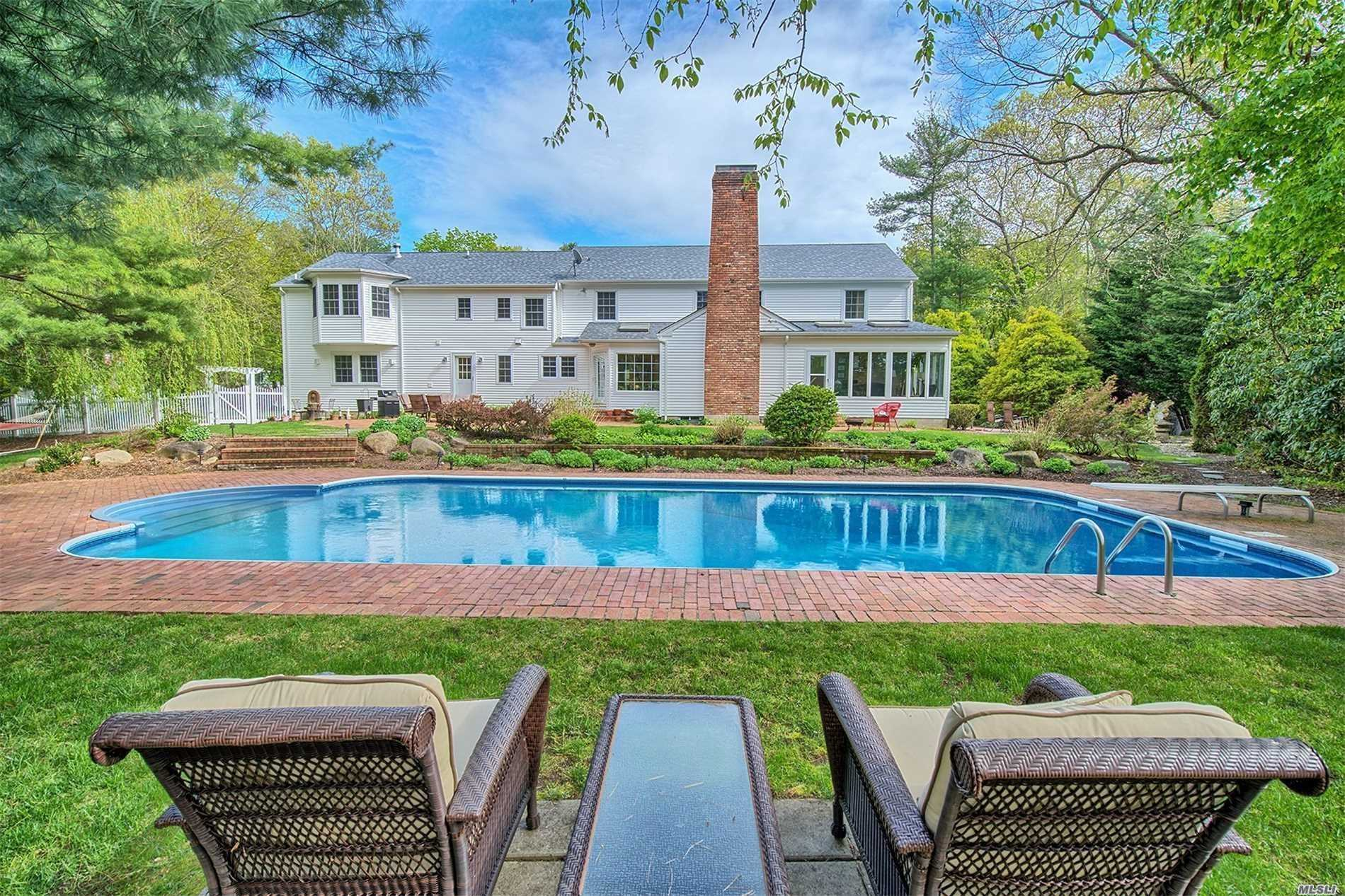 Residenziale in 3 Three Pond Rd, Smithtown, NY ,11787