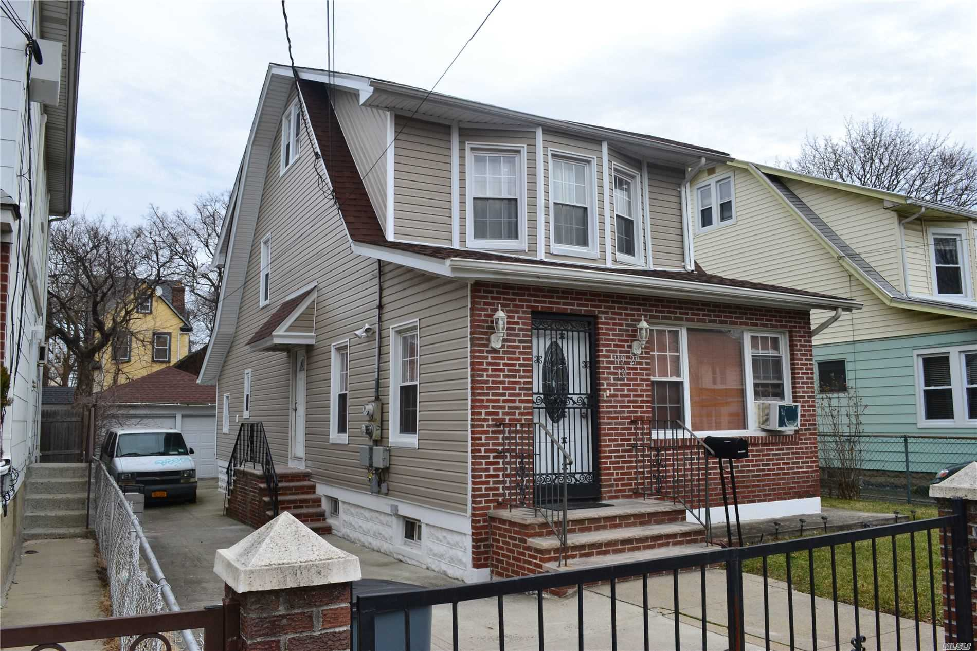 Residenziale in 119-27 191st St, St. Albans, NY ,11412