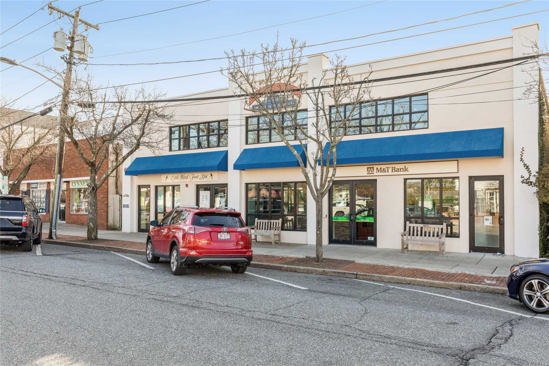 Acquisto commerciale in 135 Main, Westhampton Bch, NY ,11978