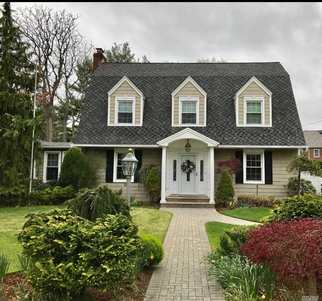 Residenziale in 8 Dover Place, Hempstead, NY ,11550