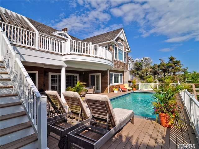 Residenziale in 223 Dune Rd, Westhampton Bch, NY ,11978
