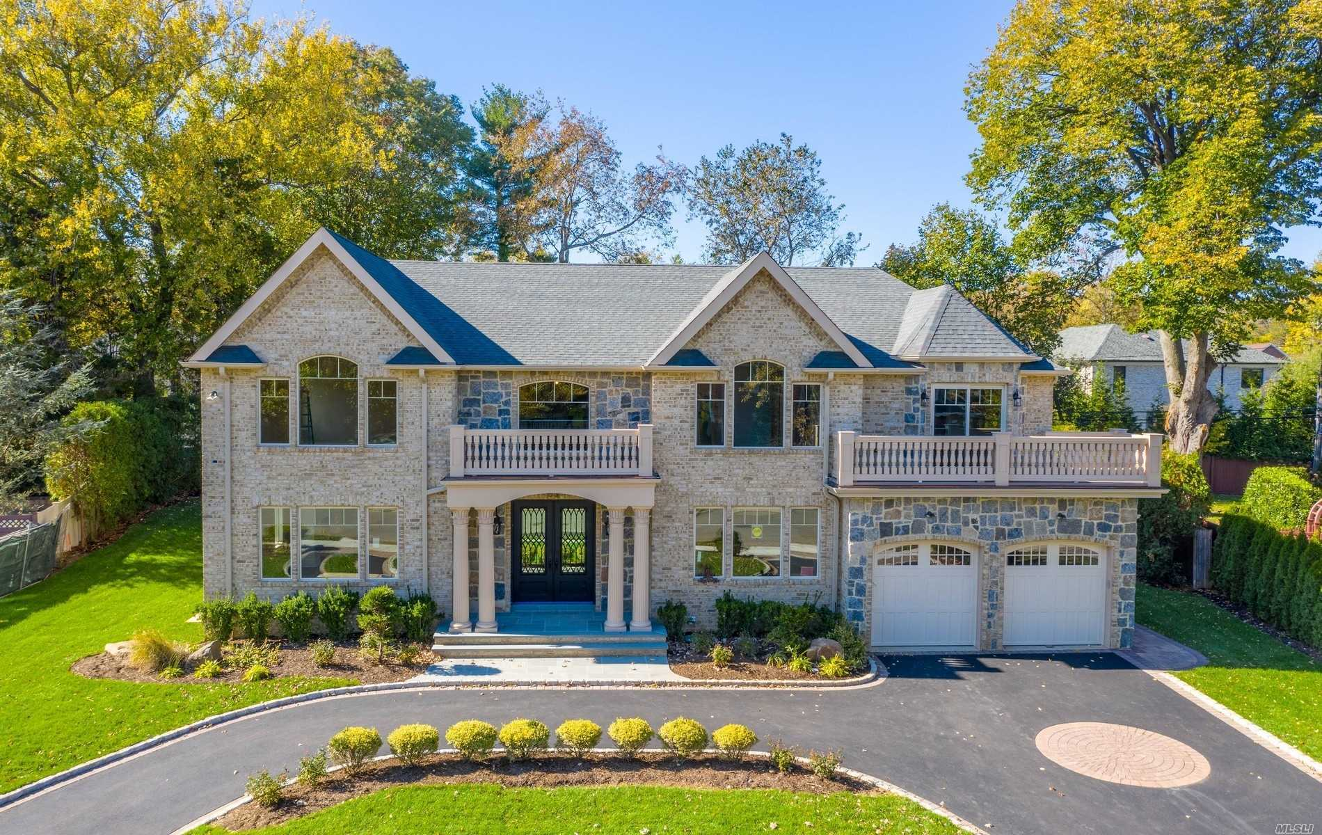 Residenziale in 53 Barnyard Ln, Roslyn Heights, NY ,11577