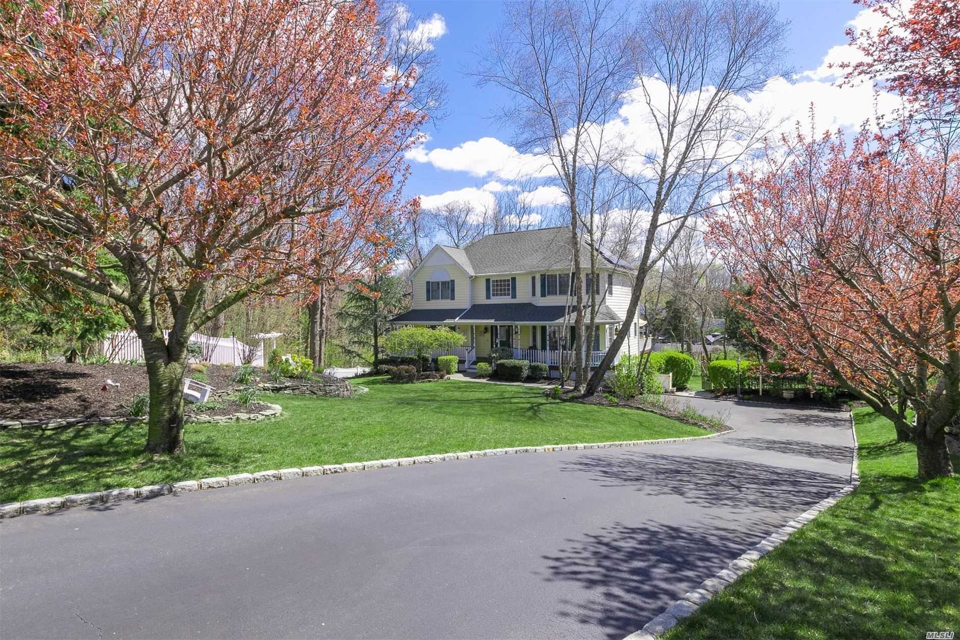 Residenziale in 4 High Hedges Ct, Head Of Harbor, NY ,11780