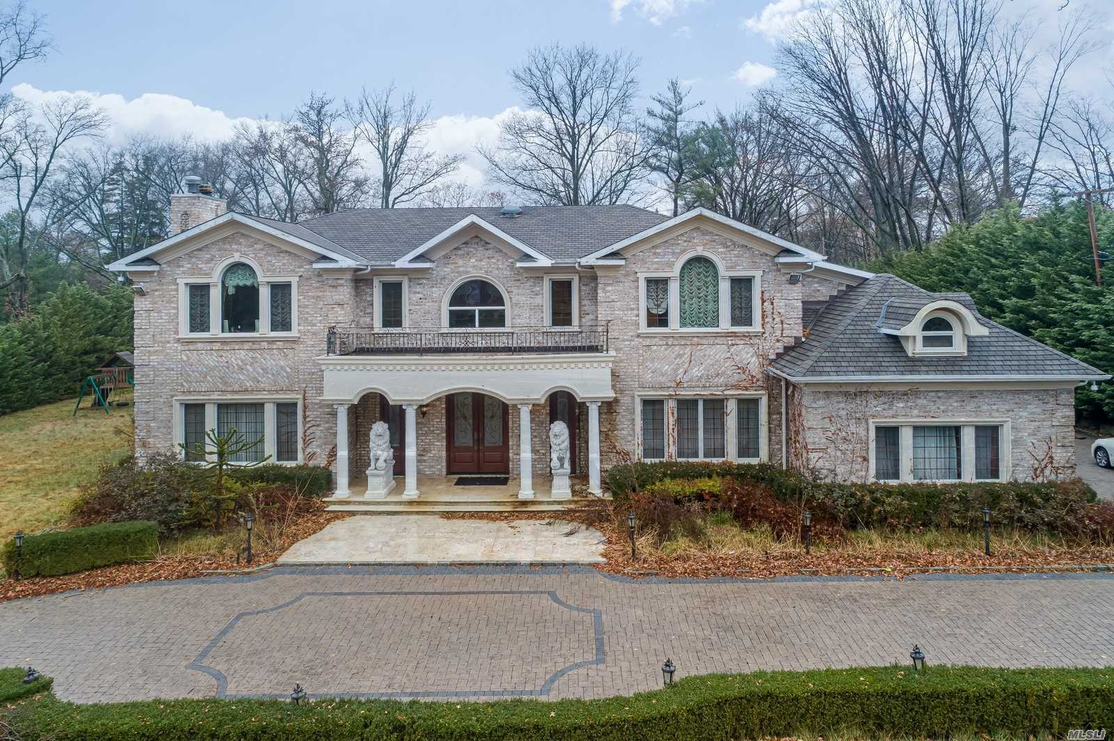 Residenziale in 39 Remsen Rd, Kings Point, NY ,11024