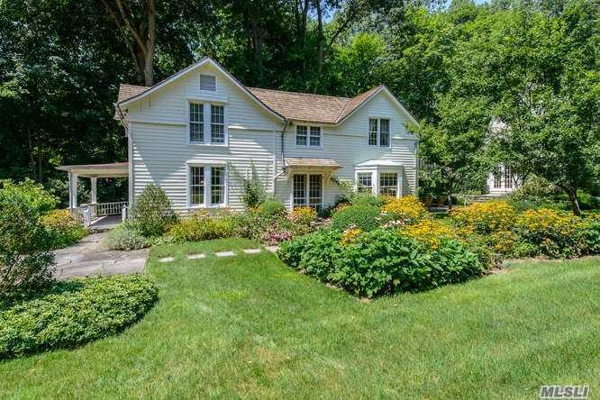Residenziale in 457 Oyster Bay Rd, Mill Neck, NY ,11765