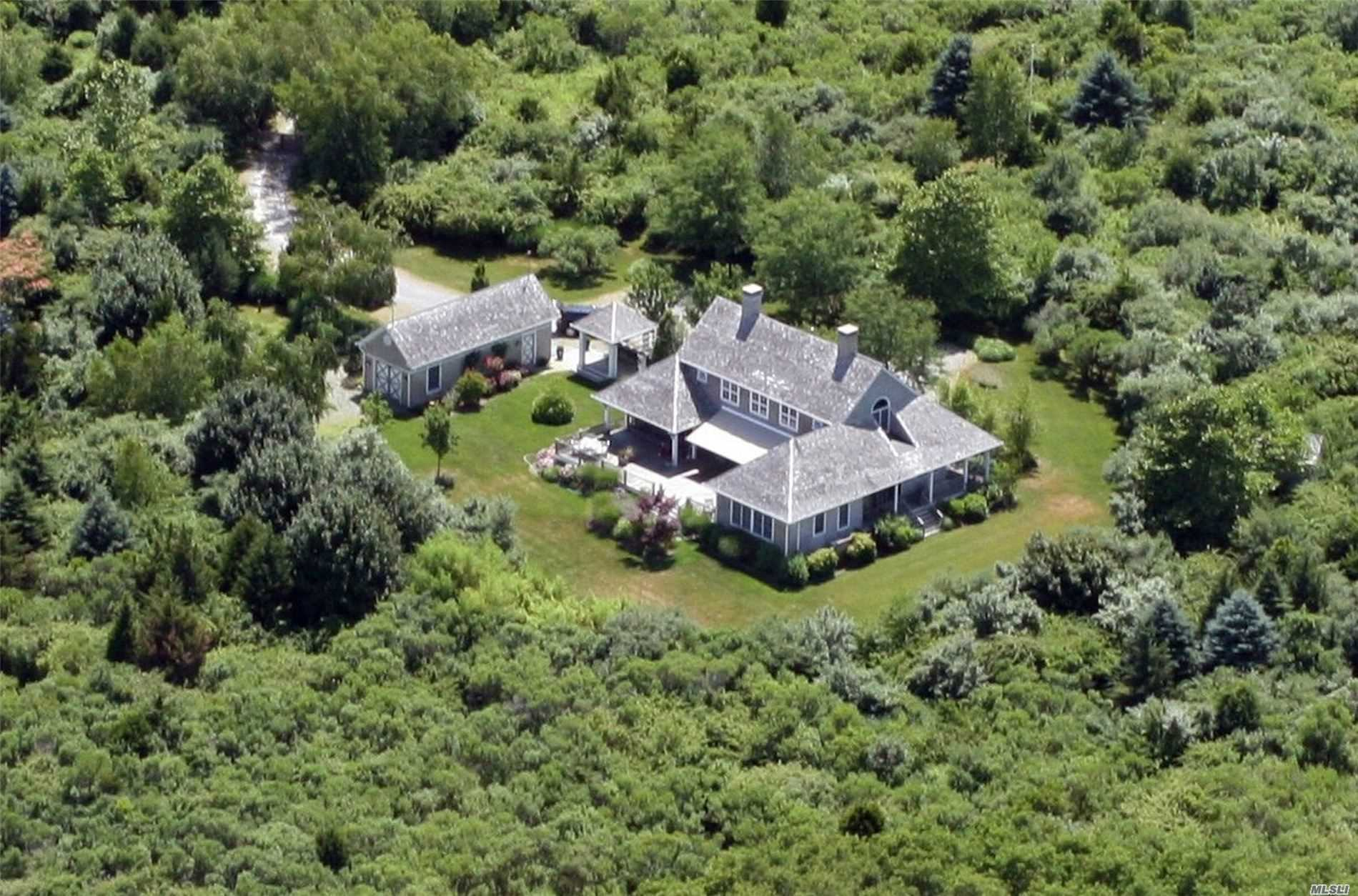 Residenziale in 4065 Orchard St, Orient, NY ,11957