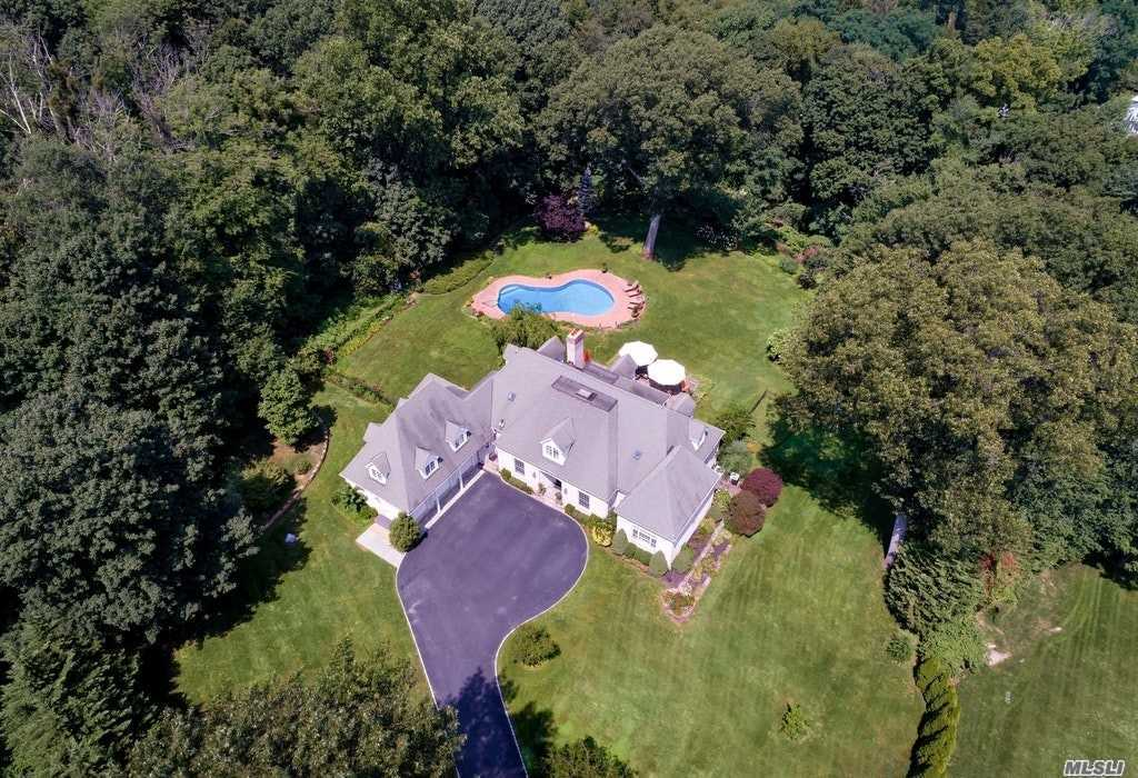 Residenziale in 248 Private Rd, Matinecock, NY ,11560