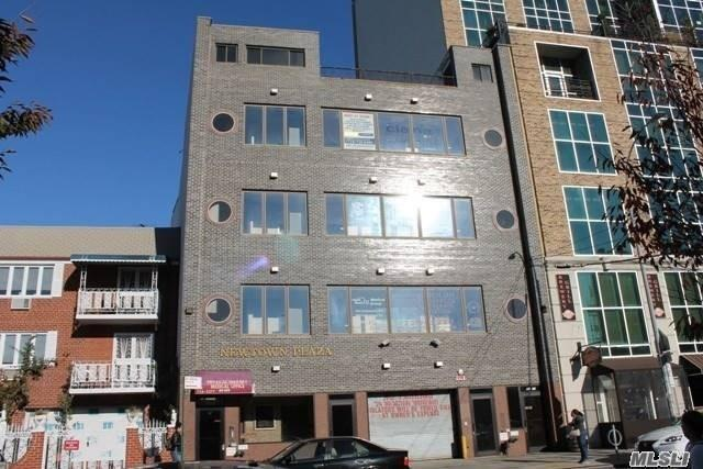 Acquisto commerciale in 3109/11 Newtown Ave, Astoria, NY ,11102